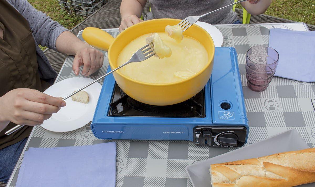 Campingaz Bistro 2 - Hornillo de mesa con 12 cartuchos de gas incluidos - Potencia: 2.300 W - Incluye funda y encendido piezoeléctrico