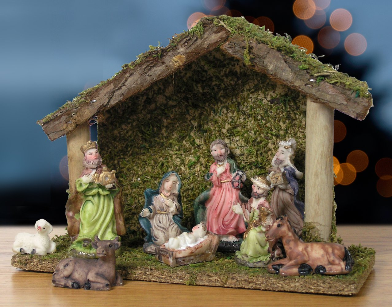 BANBERRY DESIGNS Nativity Set with Creche and 9 Piece Ceramic Figurine Set