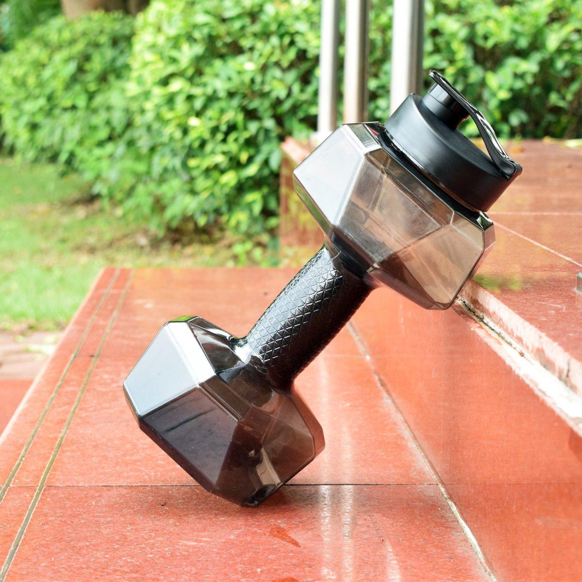 qifei 2.2lダンベル形状水ボトルのボディビルディング、PETG環境に優しいスポーツフィットネス練習 B072NB2QKM ブラック
