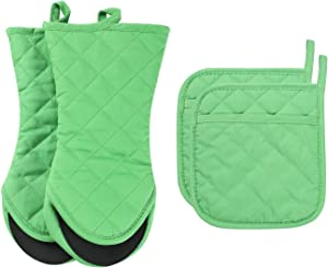 ARCLIBER Oven Mitts and Potholders,4PCS Heat Resistant Kitchen Gloves,Cotton Lining Non-Slip Rubber Surface 2 Oven Mitts,2 Pot Holders for Cooking,Baking,Grilling,Barbecue,Green