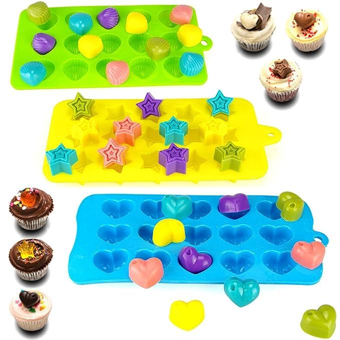 AIFUDA - Moldes de silicona para dulces de chocolate, paquete de 4 moldes antiadherentes para hornear magdalenas o hacer cubitos de hielo, diseño de corazón ...