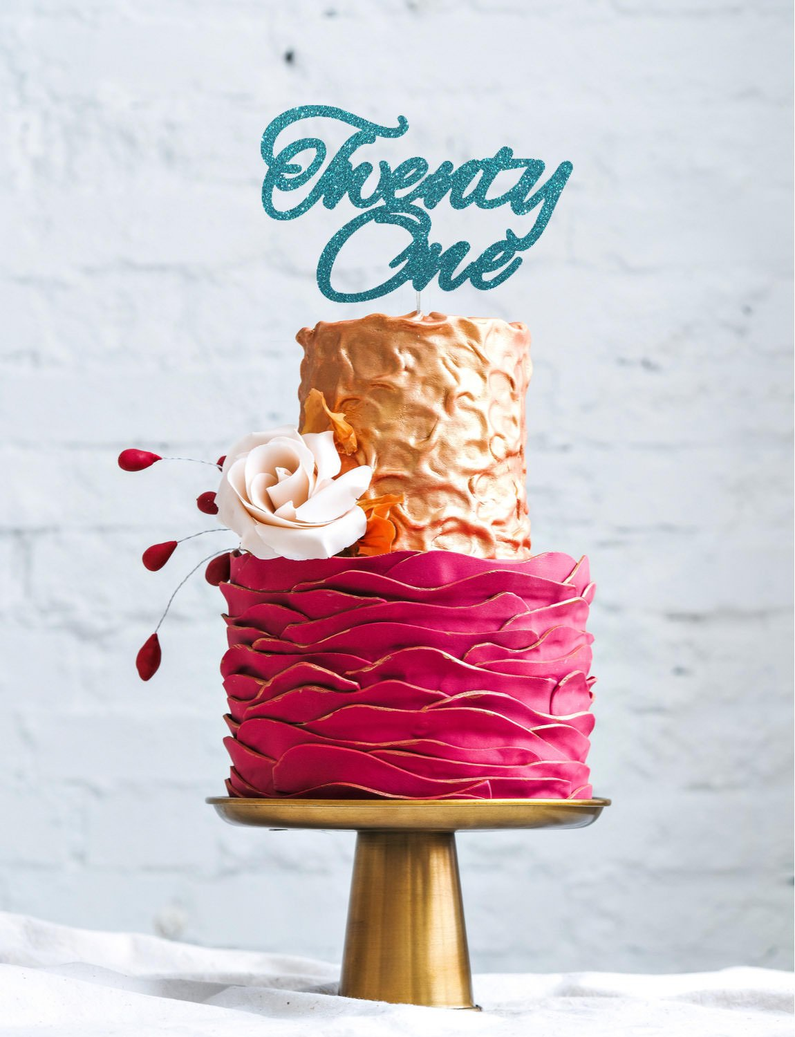 LissieLou Twenty One Cake Topper - 21st Glitter Gold Cake Topper - Swirly Font