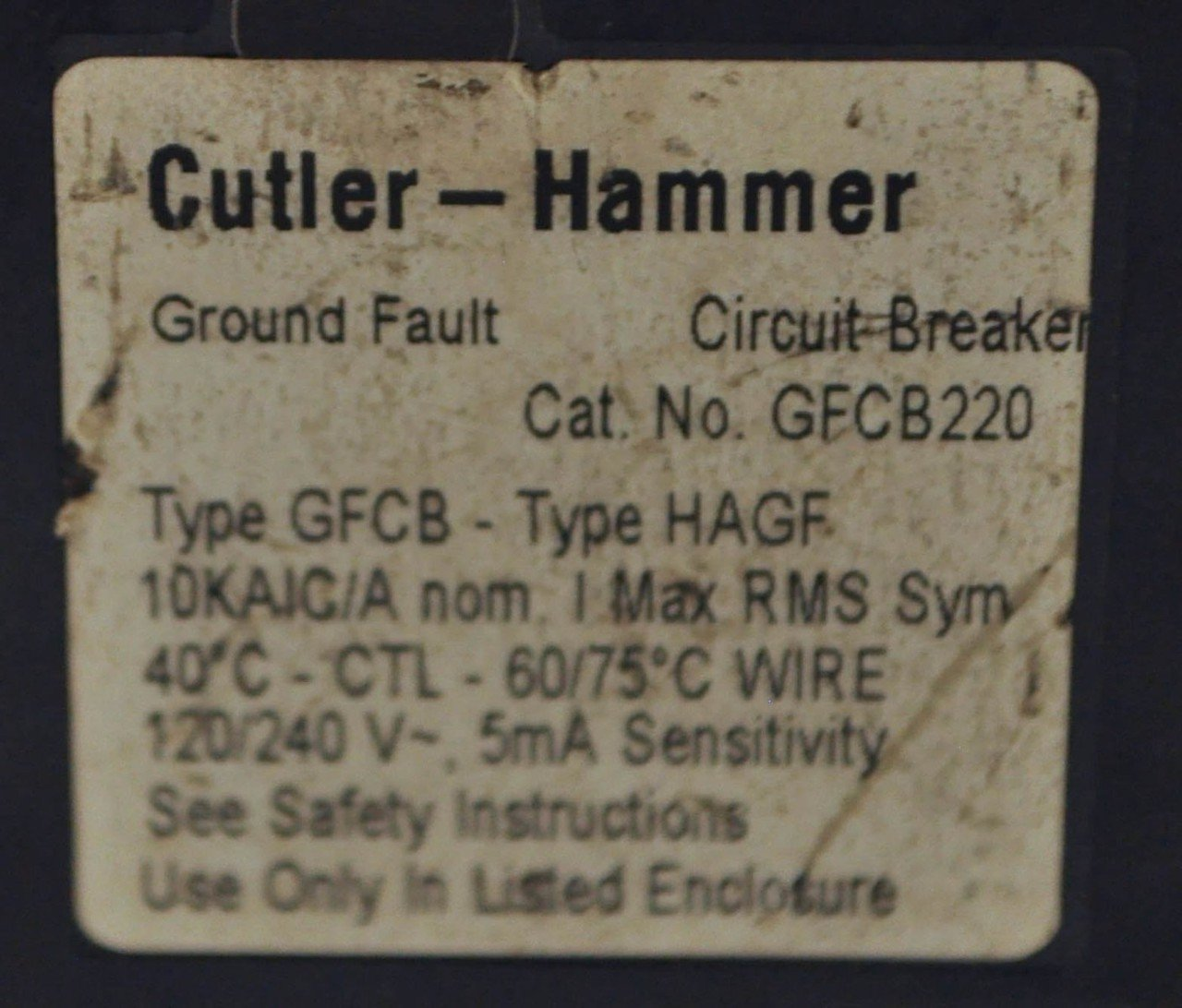 Cutler Hammer Gfcb220 20 Amp 2 Pole Gfci Circuit Breaker Plug In 120 Eaton Type Br Singlepole Ground Fault 240v For Series Panel Does Not Fit A Ch