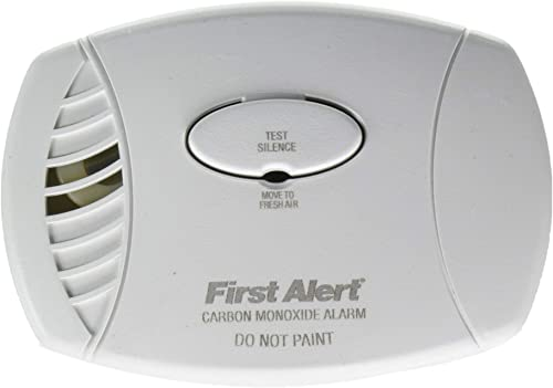 First Alert FAT1039734 Plug-in Carbon Monoxide Alarm with Battery Backup, 8.50 x 6.75 x 2.25