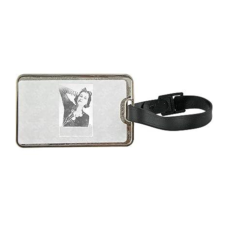 Etiqueta para equipaje de metal con coco Chanel Posing ...