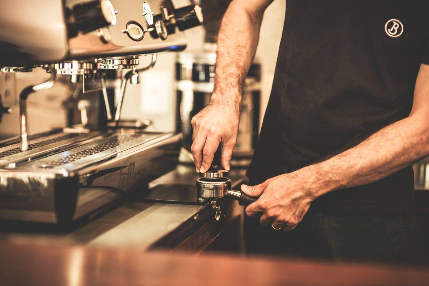 Diguo Elegance Wooden Coffee Tamper. Flat Espresso Tamper 58mm Portafilter. Stainless Steel Flat Height Adjustable Wooden Handle. Barista Espresso Tamper by Diguo (Image #7)