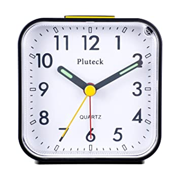 Pluteck Non Ticking Analog Alarm Clock with Nightlight and Snooze/Ascending  Sound Alarm/Simple to Set Clocks, Battery Powered, Small, Black