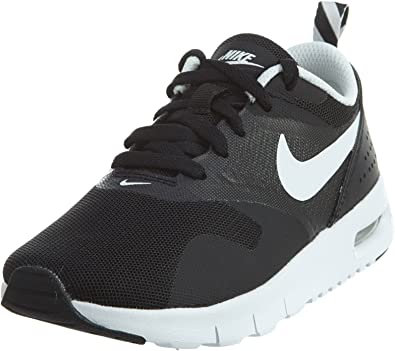 Nike Boy's Air Max Tavas Running Shoe BlackWhite 2Y