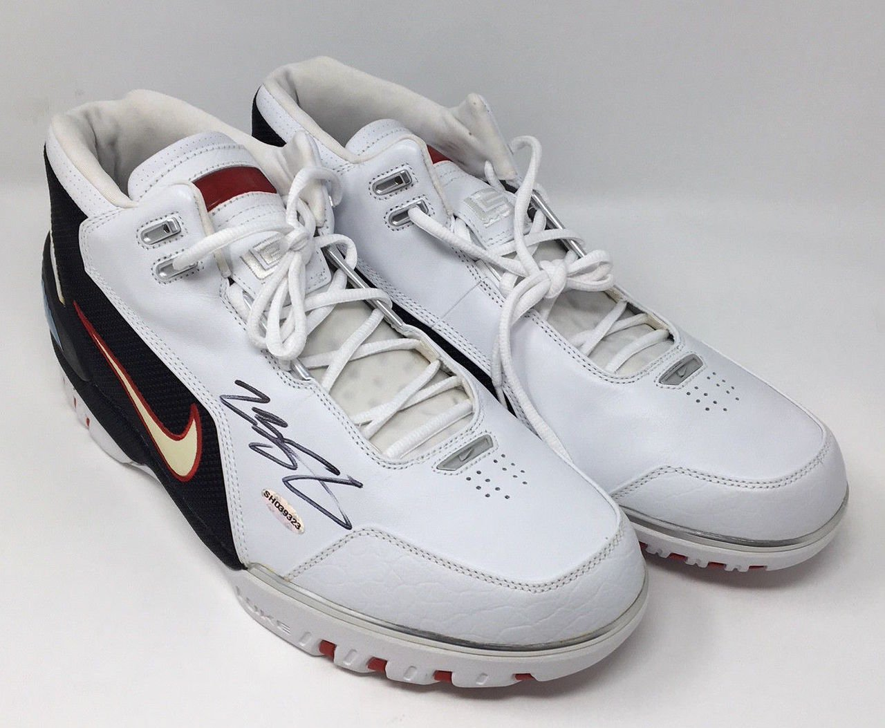 ce9ee5418e1 Amazon.com  LEBRON JAMES Signed Original Air Zoom Generation Rookie Year  Size 15 Shoes UDA  Sports Collectibles