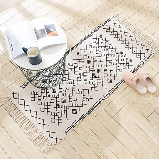 Amazon Com Boho Bathroom Mat 2 X3 Cream Bath Rug Cute Accent Geometric Farmhouse Chic Moroccan Kitchen Rugs Patterned Bohemian Tassel Cotton Woven For Front Door Hallway Entryway Washable Bedroom Living Room Kitchen