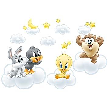 Bilderwelten Wandtattoo Baby Looney Tunes auf Wolken, Größe ...
