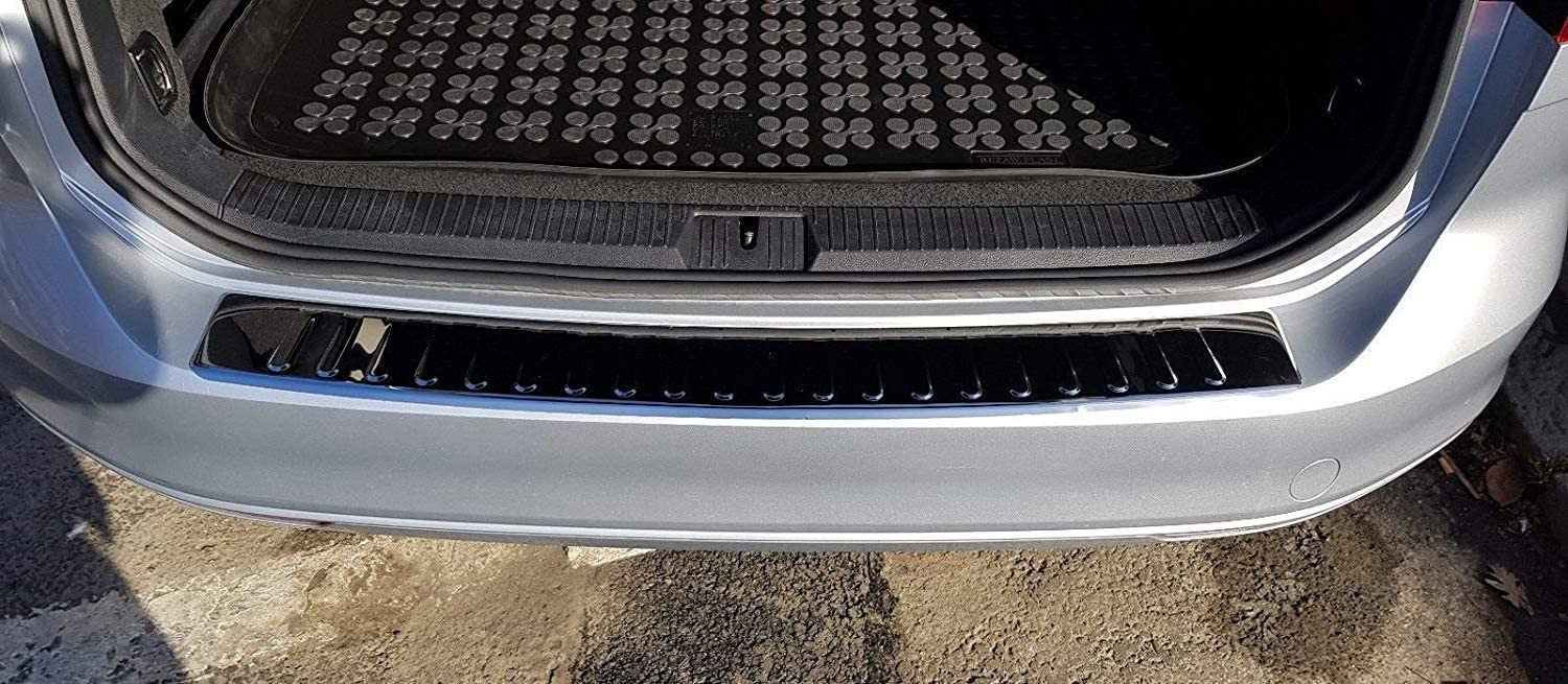 Rear Trunk Sill Plate Scuff Anti-Scratch Collision Strip Guard Accessories Styling Car Stainless Steel Rear Bumper Protector for VW Passat B8 Estate