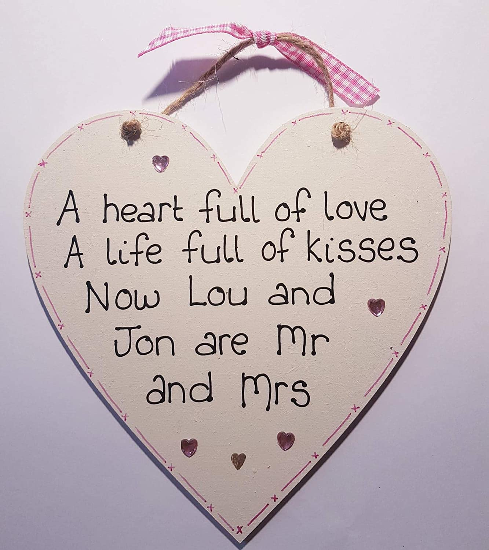 Personalised Wedding wood hanging heart CREAM plaque gift shabby chic Mr /& Mrs
