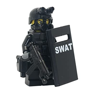 Modern Brick Warfare SWAT Police Officer Pointman Custom Minifigure: Toys & Games