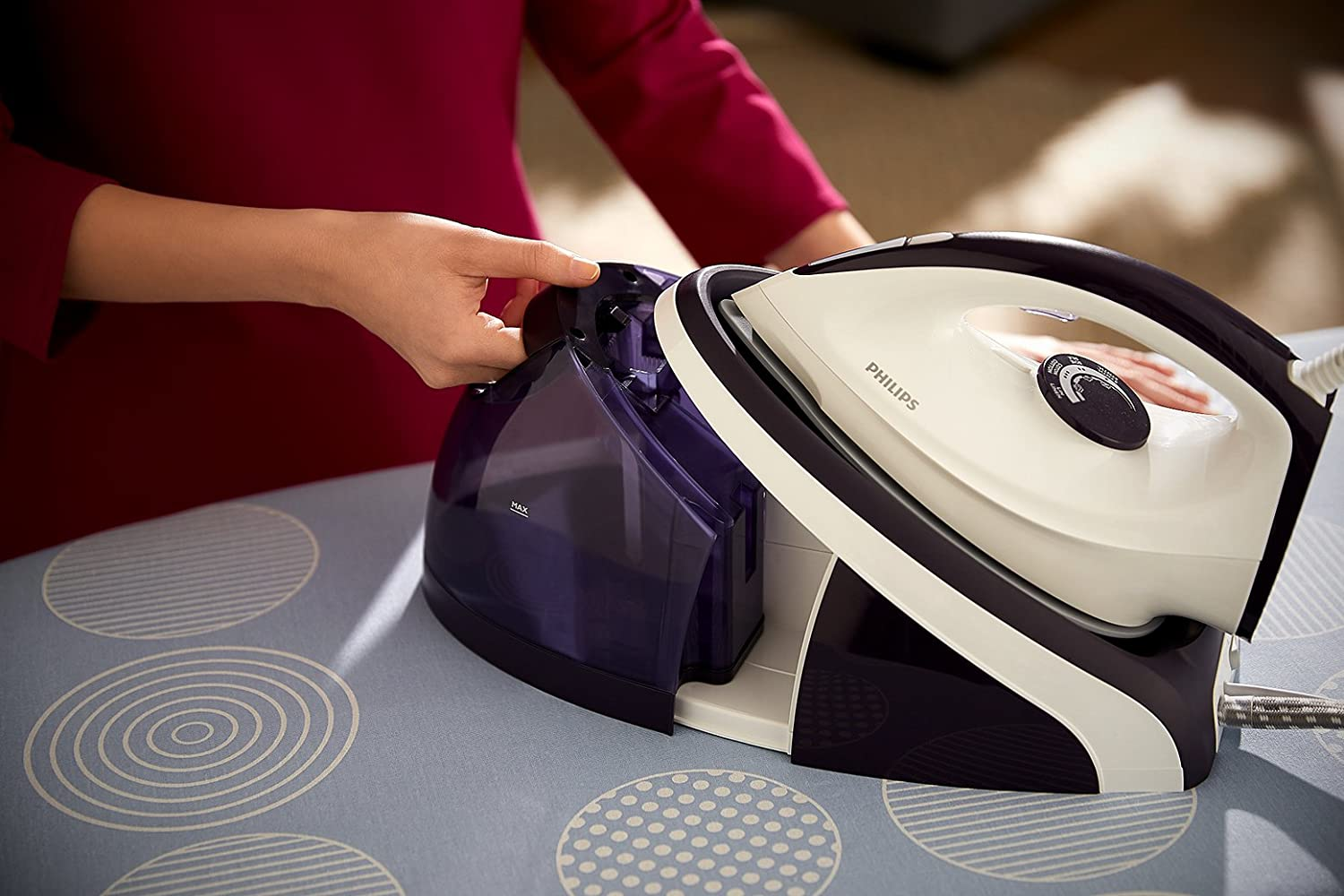 Philips HI5914//36 2400W 1.1L Compact Steam Generator Iron Purple.