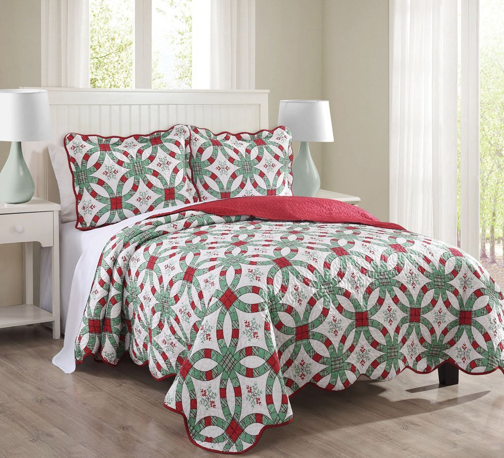 3 Piece Queen Snowflake Red and Green Quilt Set