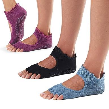 2f5cd4943 ToeSox Half Toe Bella Grip Socks 3 Pack (Denim/Wine/Midnight Lace, M) at  Amazon Women's Clothing store: