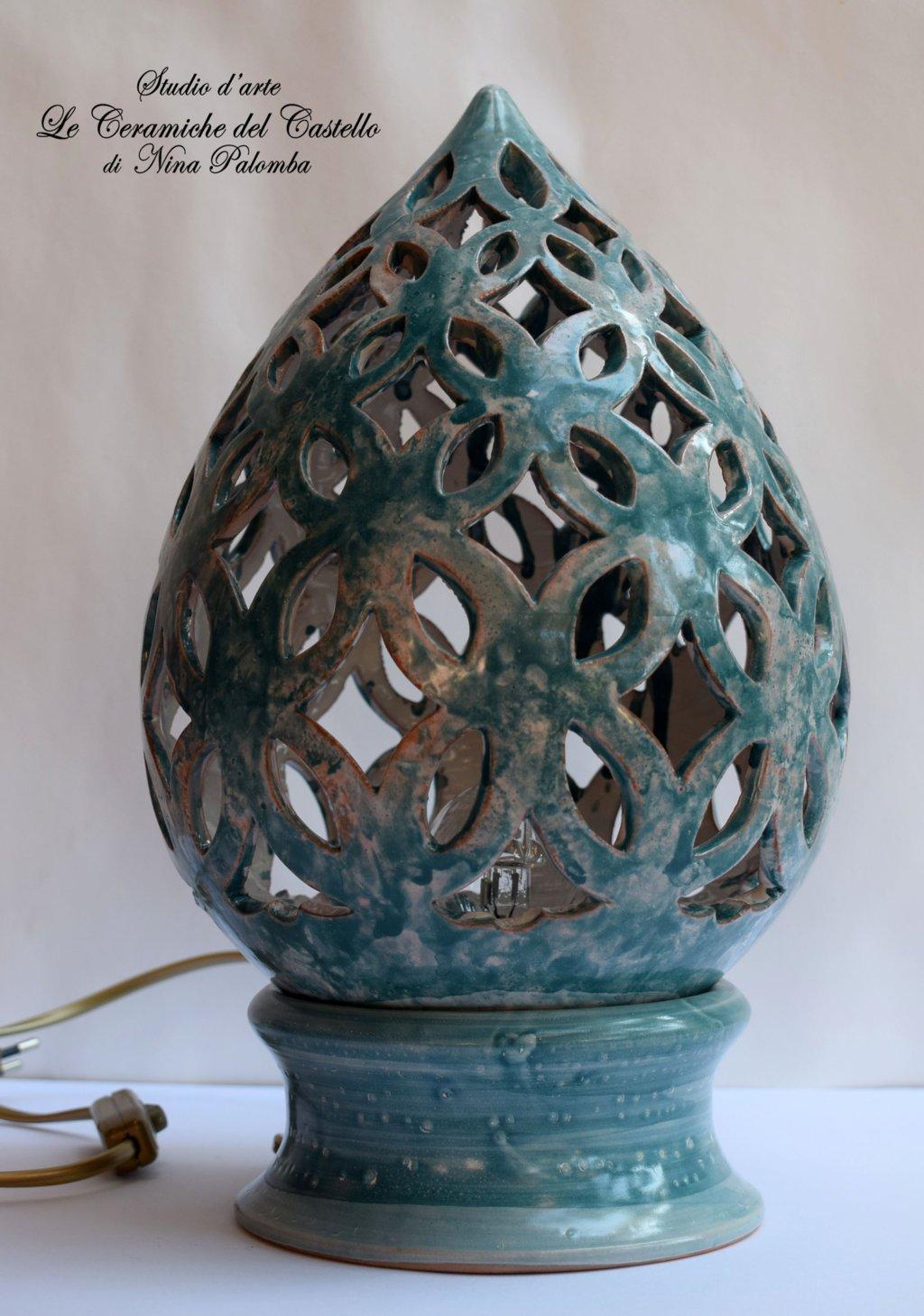 Lampada da tavolo comodino Traforata Turchese Handmade Le Ceramiche del Castello Made in Italy