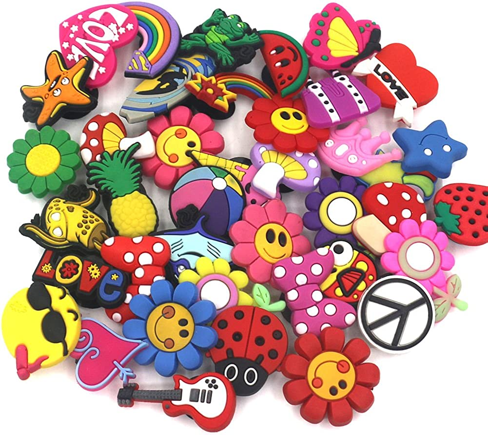Trendy Game Shoe Charms Clog Buttons for Shoe Cute Characters Design for Croc for Kids and Women Soft PVC Charms Accessories for Shoe Decorations 5PCS Among Us Shoe Charms