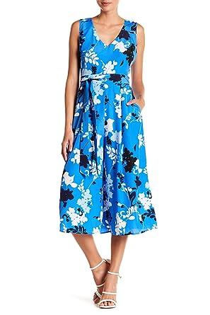 38998b0f062 Amazon.com  Vince Camuto Floral Print Cropped V-Neck Jumpsuit