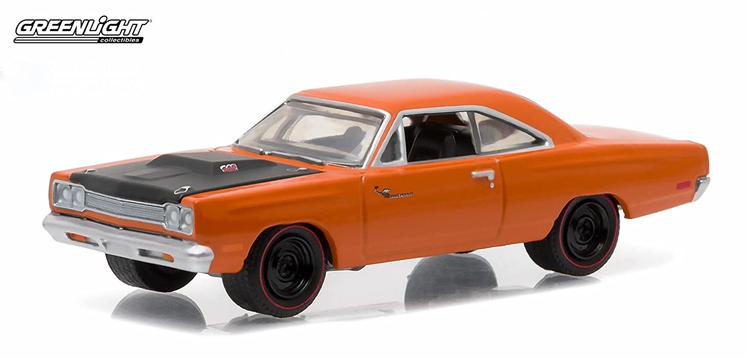 Go Mango Greenlight Collectibles 2016 Limited Edition 1:64 Scale Die-Cast Vehicle /& Collector Trading Card 1969/½ PLYMOUTH ROAD RUNNER * GL Muscle Series 15