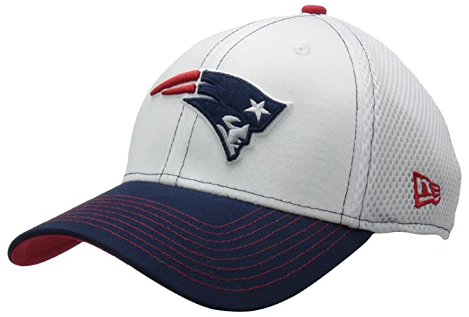 reputable site 2255e 382d7 Amazon.com   NFL New England Patriots Blitz Neo 39Thirty Flex Fit Cap,  Small Medium   Sports Fan Baseball Caps   Clothing