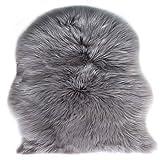 Faux Peau de Mouton en Laine Tapis (60 x 90 cm) Imitation Toison Moquette Fluffy Soft Longhair Décoratif Coussin de Chaise Canapé Natte (Gris)