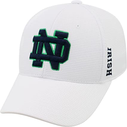 90a0424a4d1 Amazon.com  Top of the World Men s Notre Dame Fighting Irish White Booster  Plus 1Fit Flex Hat