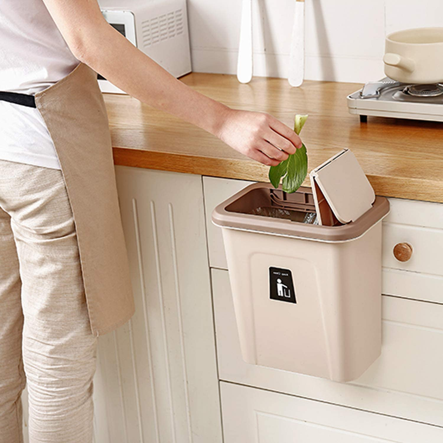 KaryHome Compost Bin Indoor Kitchen Sealed, Compost Bin for Countertop, Hanging Lidded Trash Can for Kitchen Cabinet Door, 2.6 Gallon Brown