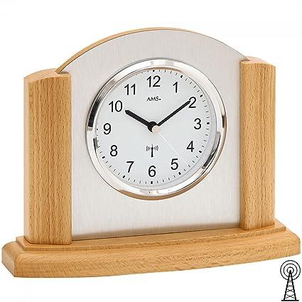 Moderno reloj de mesa con mecanismo radiocontrolado, funcionamiento a baterías - Estilo moderno - Reloj