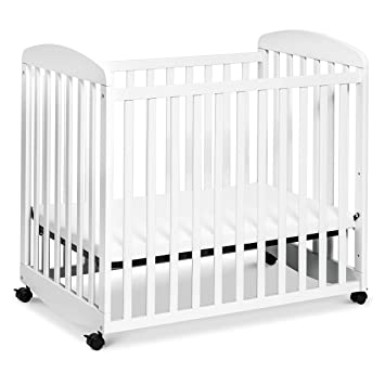 Removable Wheels Greenguard Gold Certified DaVinci Alpha Mini Rocking Crib in Slate