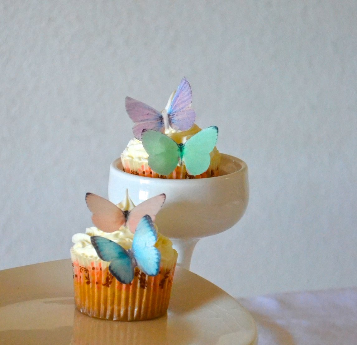 Edible Butterflies © - Small Assorted Pastel Set of 24 - Cake and Cupcake Toppers, Decoration by Sugar Robot Inc. (Image #2)