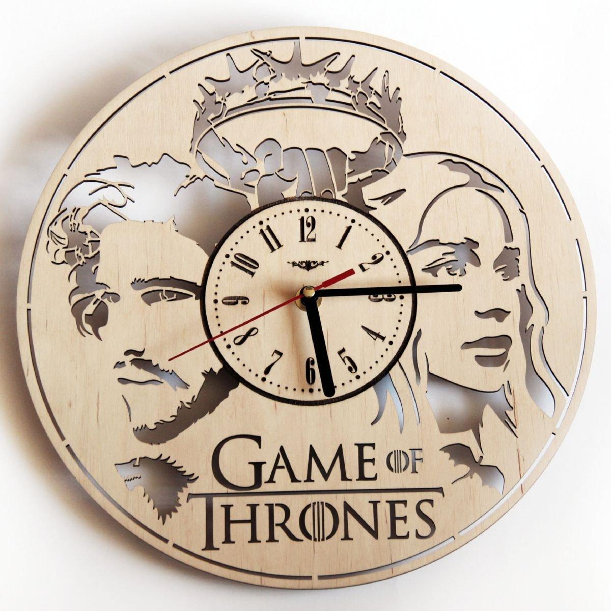 Amazon Com Shareart Game Of Thrones Wood Wall Clock