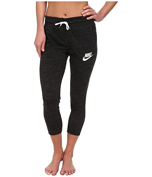c12e93cb8b1f Nike Womens Gym Vintage Sport Casual Capris at Amazon Women s Clothing  store