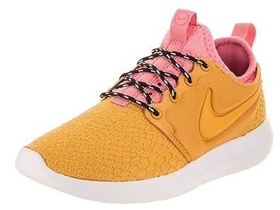 the best attitude 00f2b 622cf Nike Women s Roshe Two SE Gold Dart Gold Dart Running Shoe 8 Women US