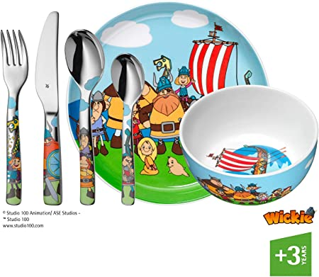 Compuesto por una cubertería infantil de 4 piezas (1 tenedor, 1 cuchillo mesa, 1 cuchara y 1 cuchara