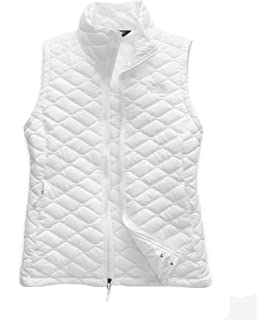 b17963dbfd76 The North Face Women s Mossbud Insulated Reversible Vest at Amazon ...