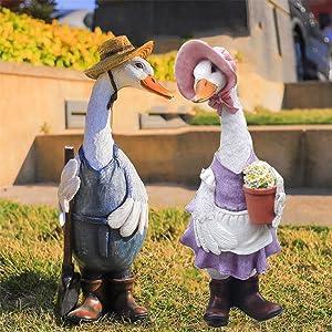 2021 New Cute Cartoon Duck Garden Statue, Funny Patio Garden Decoration Ornaments Animal Duck Resin Crafts, Garden Figurines for Porch Patio Lawn Yard Art Outdoor Decoration (Male & Female Duck)