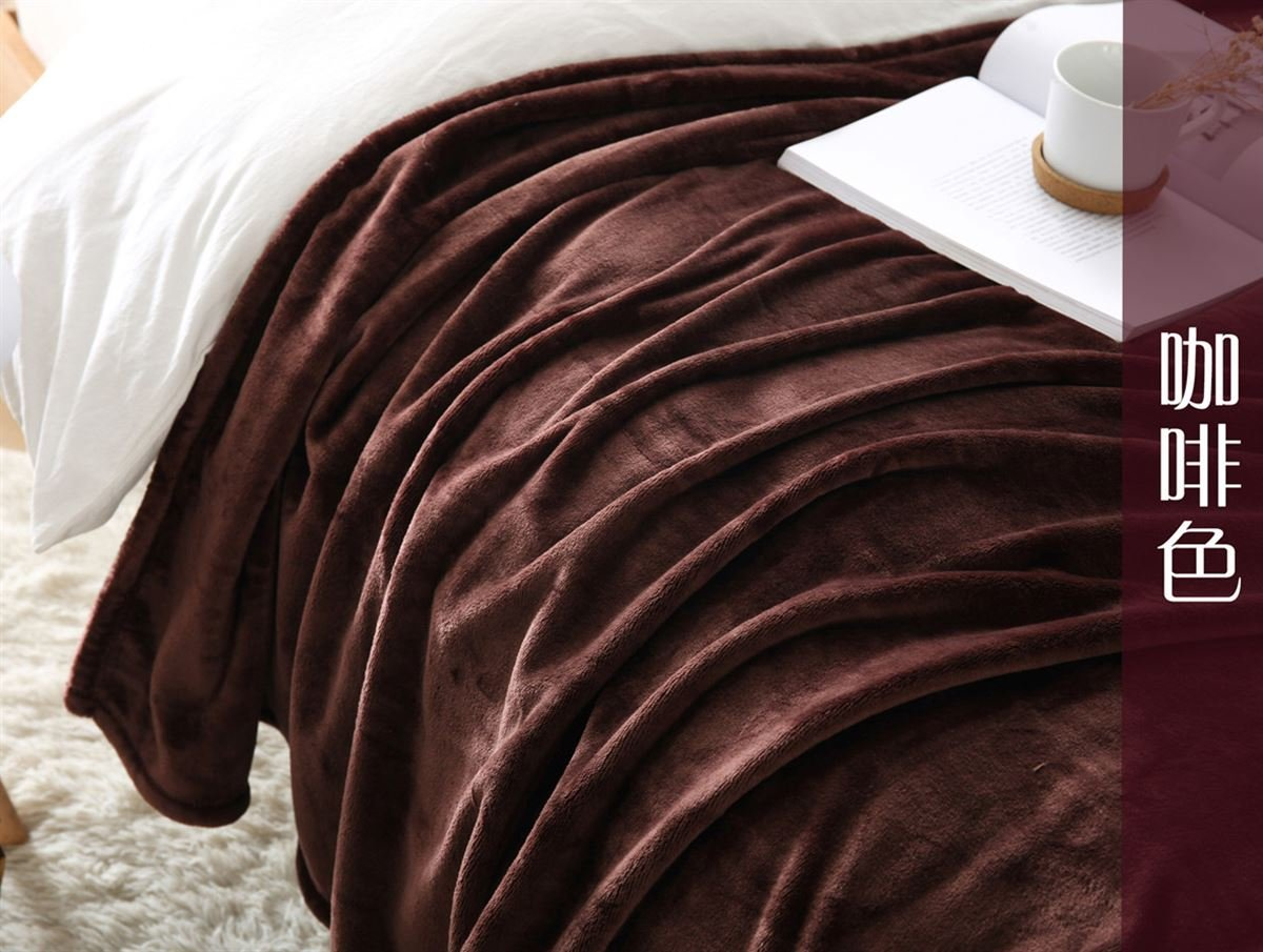Znzbzt Flannel blankets quilts dorm students extra thick blankets winter coral fleece bed pure color blanket ,150cmx200cm, brown 320g thick