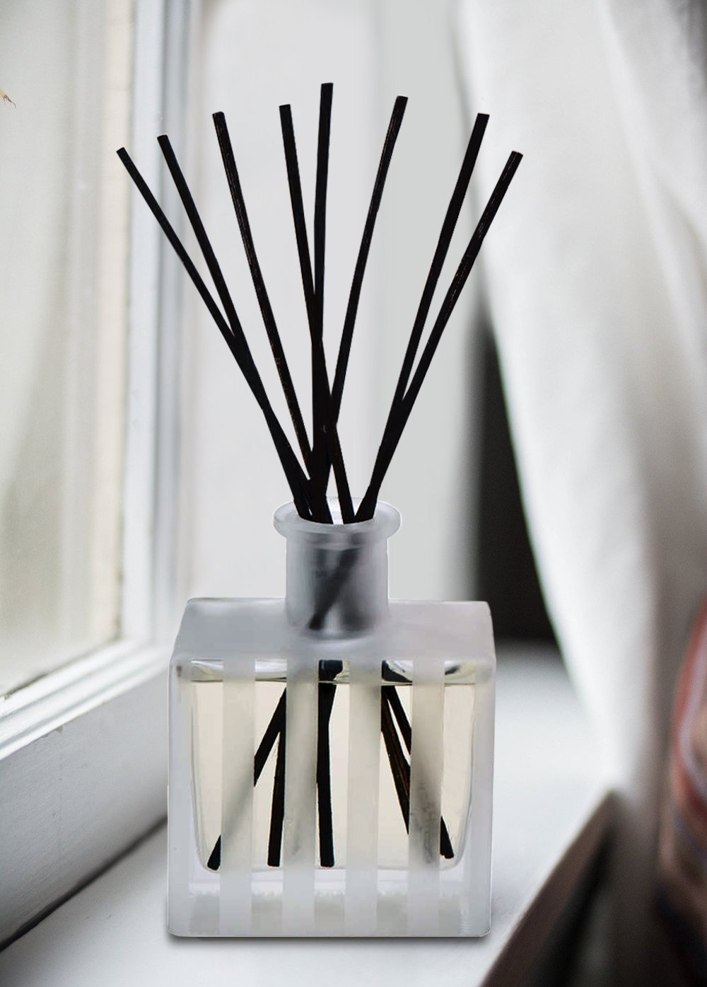 LOVSPA White Tea Reed Diffuser - Scented Sticks Set - Soothing White Tea Scent Infused with Notes of Woody Cedar and Vanilla - Air Freshener for Large Rooms - Made in The USA by LOVSPA (Image #6)