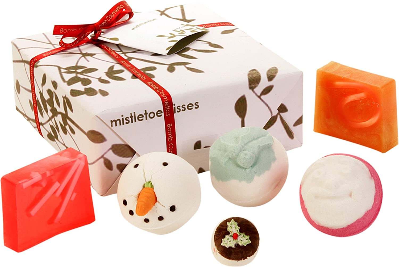 Bomb Cosmetics Mistletoe Kiss Handmade Gift Pack GIFTMIST4
