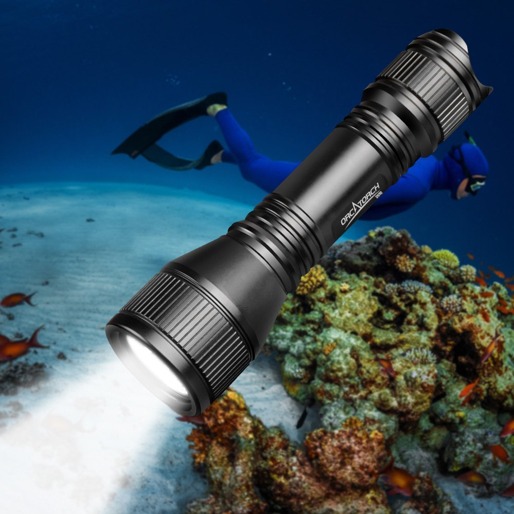 ORCATORCH 2018 Upgraded Version D550 Dive Light 970 Lumens Scuba Safety Torch XM-L2 LED Submarine Flashlight with 3400mAh Battery, Charger, Wrist Strap, Lanyard, Waterproof O-Rings by ORCATORCH (Image #1)