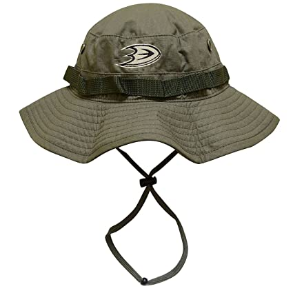 2447f32135f Amazon.com   Mitchell   Ness Olive Boonie Bucket Hat   Sports   Outdoors