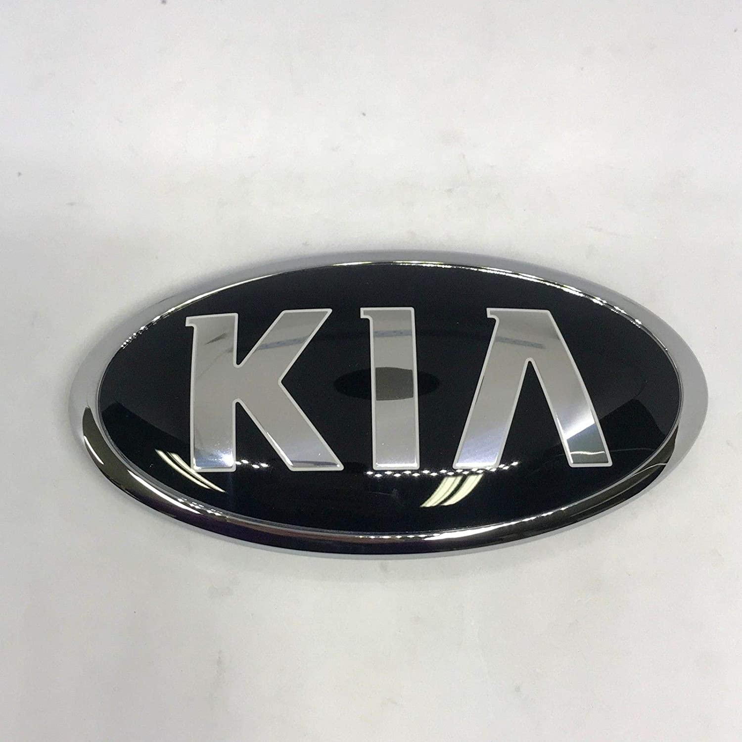 Kia Motors Genuine 863202P560 Front Hood Grill KIA Logo Emblem 1-pc For 2013 2014 Kia New Sorento