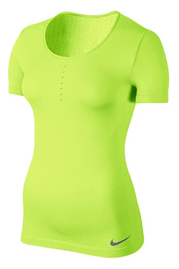 fe323f4f02f35 Nike Women's Pro Hypercool Limitless SS Top, Neon Green at Amazon ...