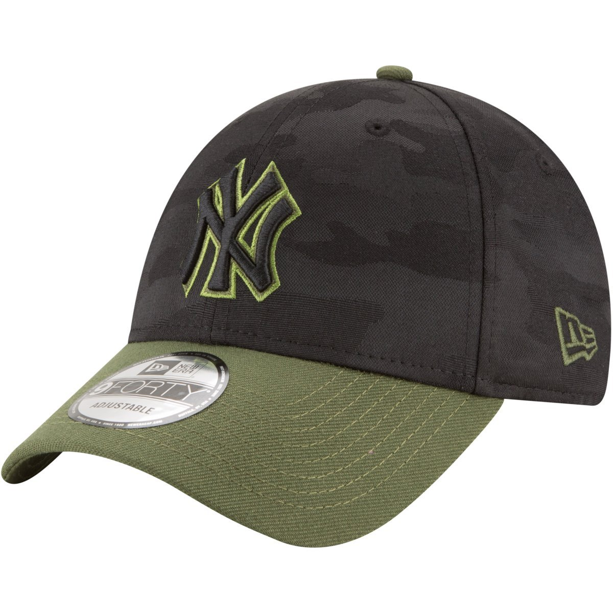 e5b625714ad New Era New York Yankees 2018 Memorial Day 9FORTY Adjustable Hat at Amazon  Men s Clothing store