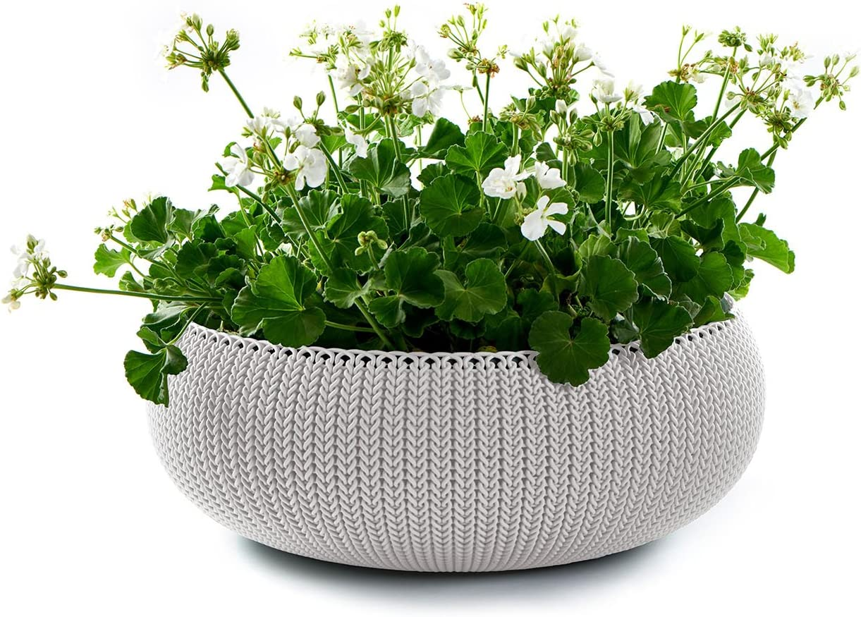 Keter Cozies Large Plastic Knit Texture 21 Planter Bowl with Removable Liner, Oasis White