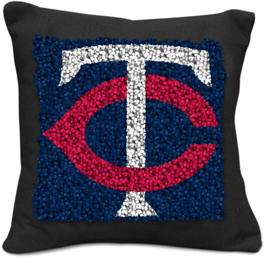 9-Inch MLB Minnesota Twins Pillow Latch Hook Kit