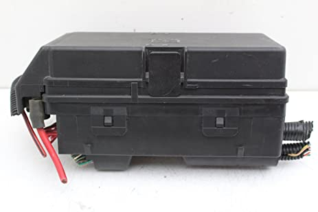 amazon com 06 pontiac g6 20373355 fusebox fuse box relay unit rh amazon com fuse box under rear seat of tbss fuse box utv