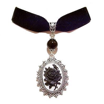 5cea2acce BlackCat Collier Ras-de-Cou en Velours Noir avec Camée Noir et Blanc  Représentant Une Rose.